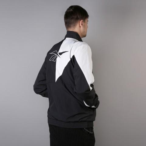 мужскую чёрную  куртку reebok lf tracktop DJ1950 - цена, описание, фото 5