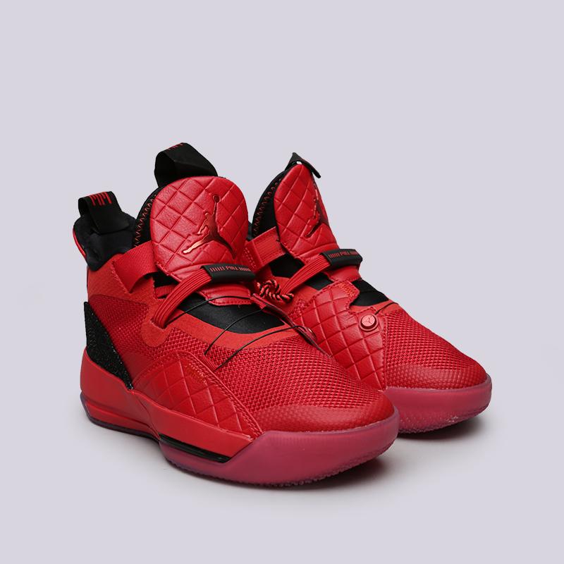 Кроссовки Jordan, Красный