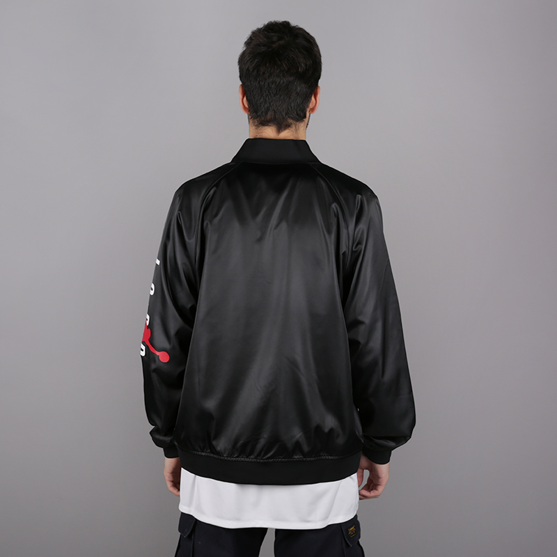 мужскую чёрную  куртку jordan jordan jumpman air stadium AO0444-010 - цена, описание, фото 4