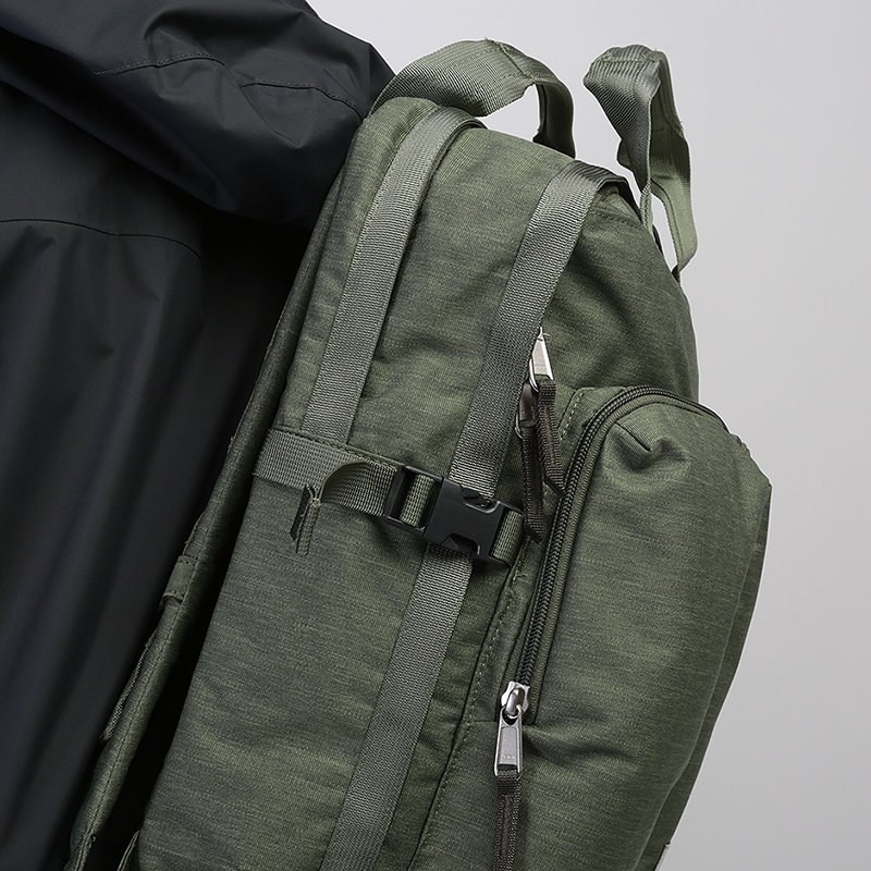 зеленый  рюкзак the north face mini crevasse 14,5l T93G8LBV9 - цена, описание, фото 3