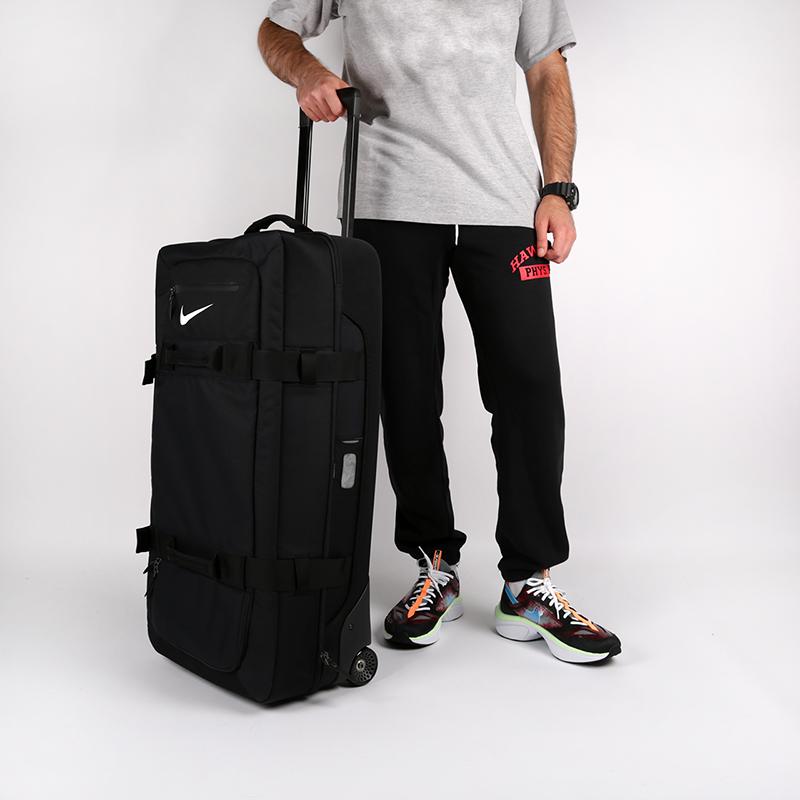 чёрный  чемодан nike fiftyone 49 large roller PBZ278-001 - цена, описание, фото 1
