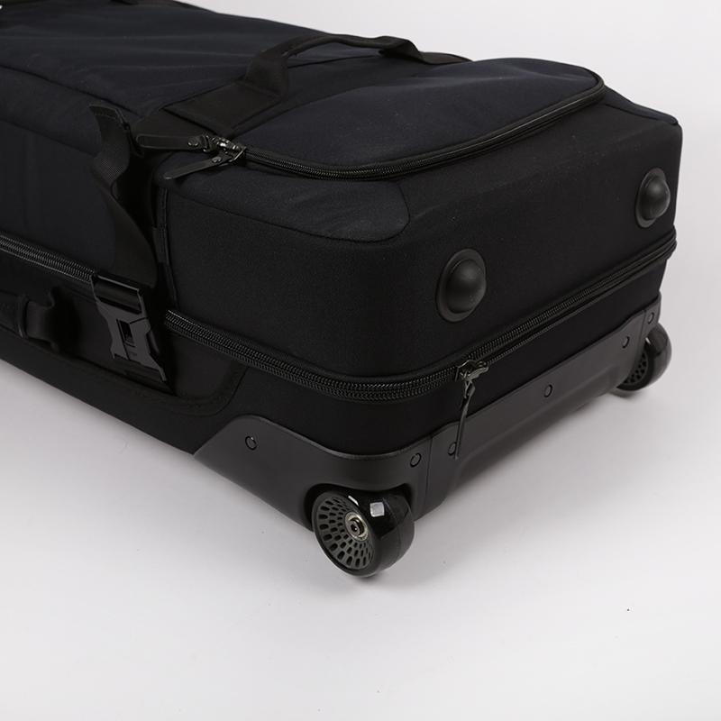 чёрный  чемодан nike fiftyone 49 large roller PBZ278-001 - цена, описание, фото 9