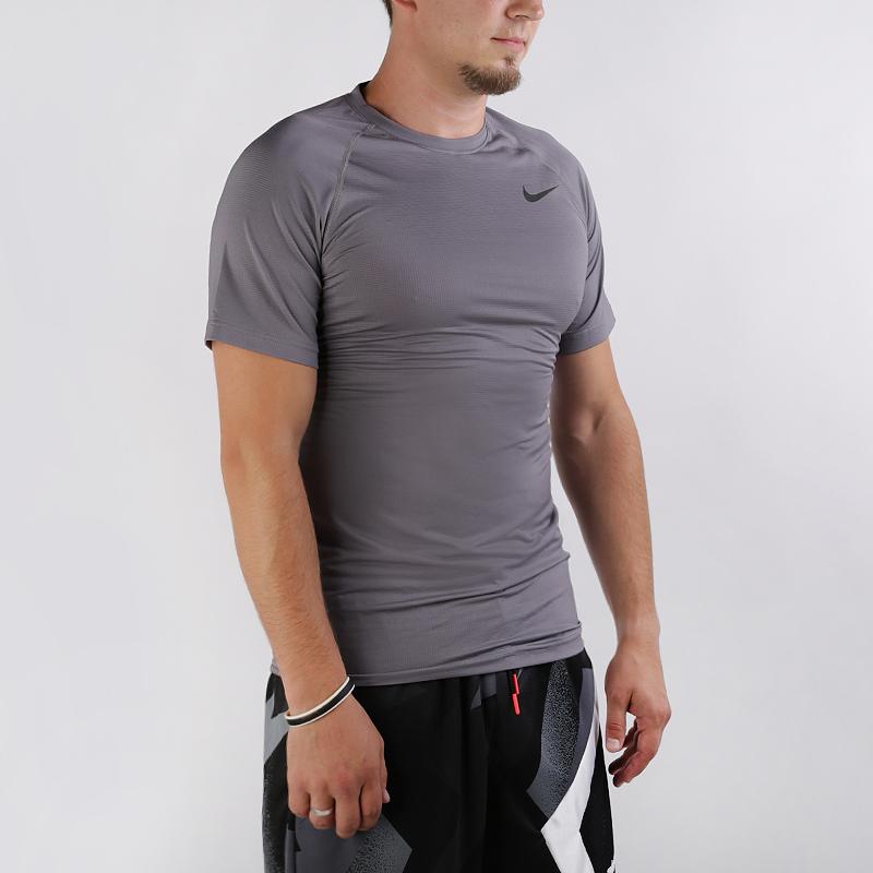 Футболка Nike Breathe Pro Short-Sleeve Top фото