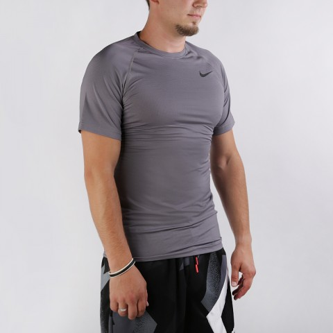 Футболка Nike Breathe Pro Short-Sleeve Top