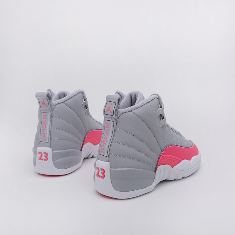 женские серые  кроссовки jordan 12 retro (gs) 510815-060 - цена, описание, фото 3