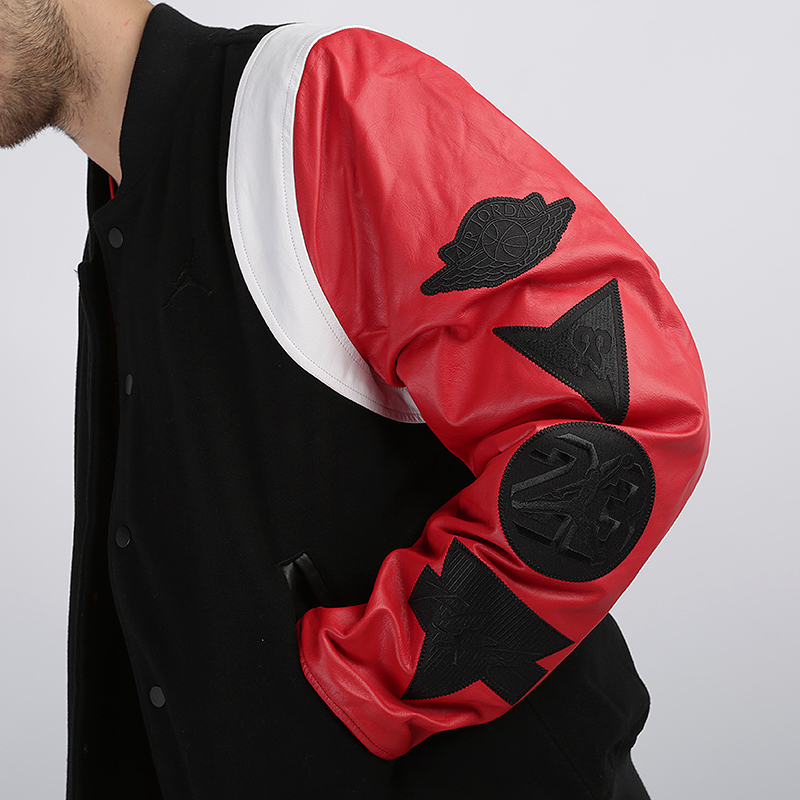 мужскую чёрную  куртку jordan dna varsity jacket AT9958-010 - цена, описание, фото 4
