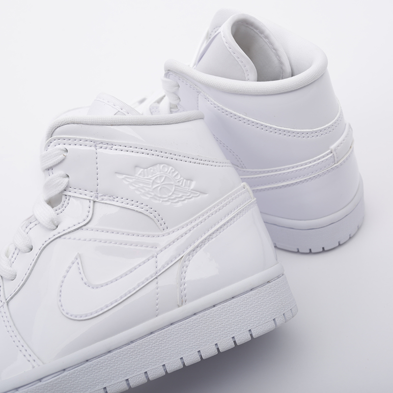 женские белые  кроссовки jordan wmns 1 mid BQ6472-111 - цена, описание, фото 6