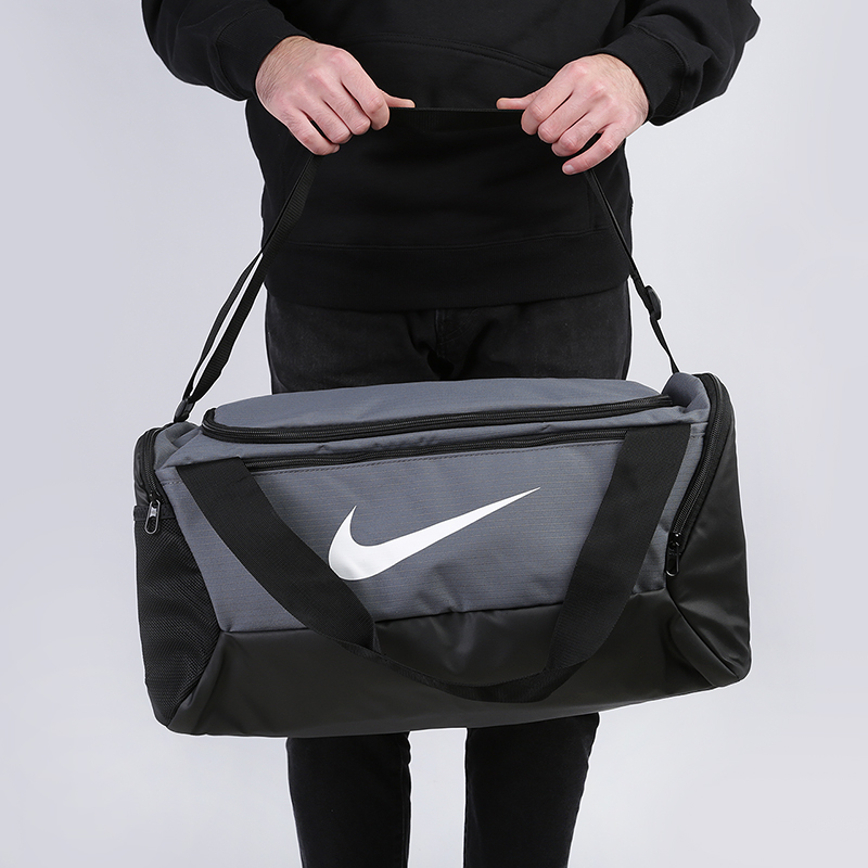 серую  сумка nike brasilia training duffel bag 41l BA5957-026 - цена, описание, фото 1