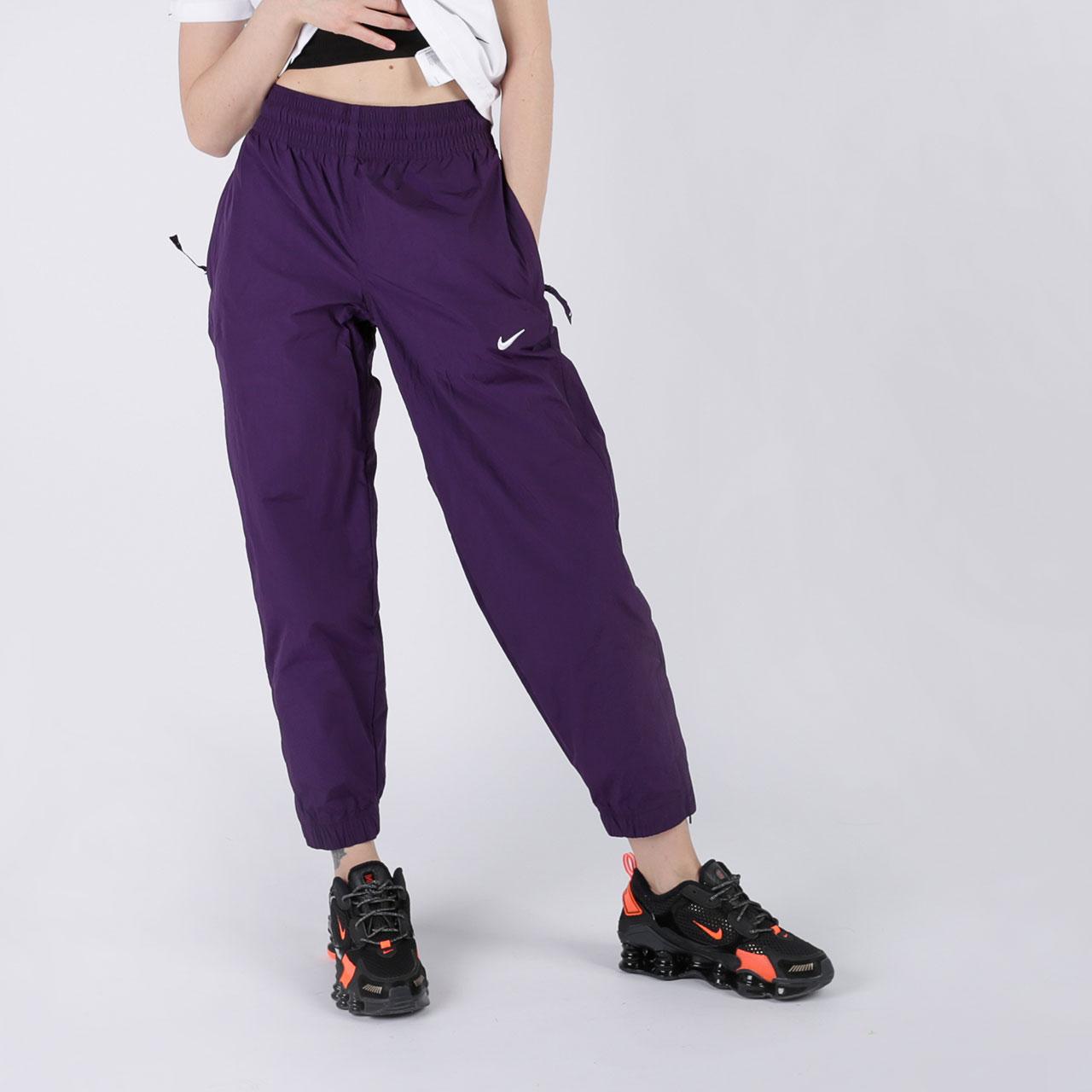 женские фиолетовые  брюки nike track pant purple CQ4003-525 - цена, описание, фото 2