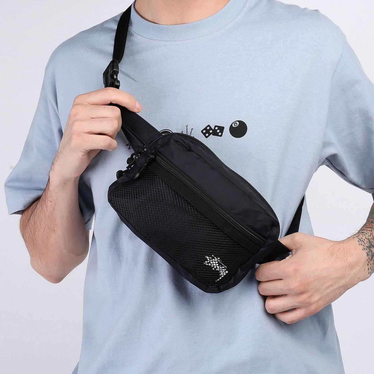 черную  сумка stussy light weight waist bag 134210-black - цена, описание, фото 1