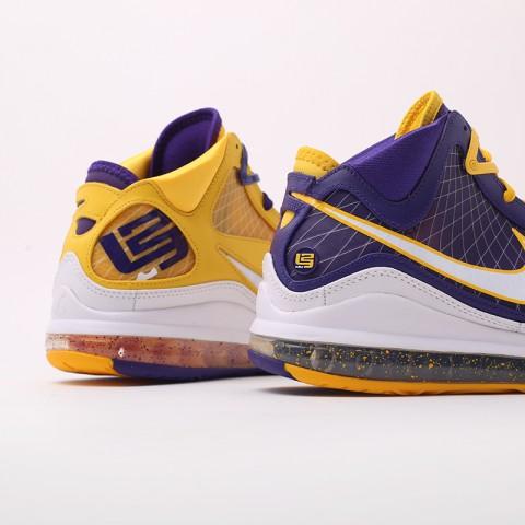 мужские жёлтые, фиолетовые  кроссовки nike lebron vii qs CW2300-500 - цена, описание, фото 8