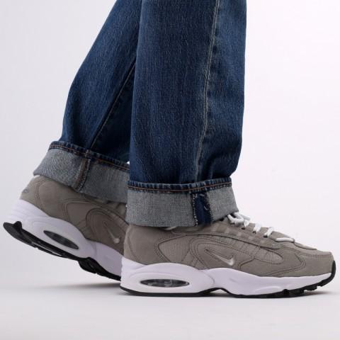 мужские серые  кроссовки nike air max triax le CT0171-001 - цена, описание, фото 10