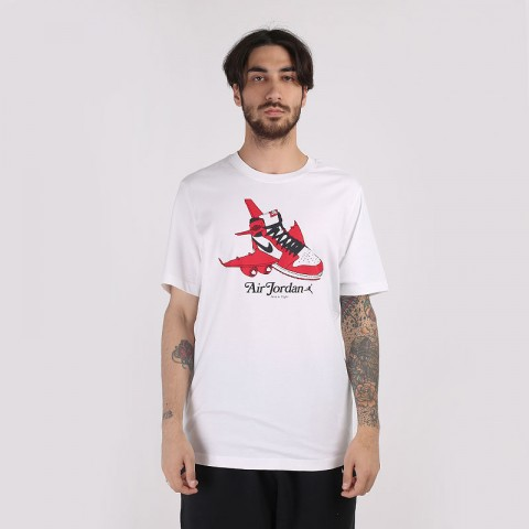 мужскую белую  футболка jordan brand short-sleeve graphic crew CN3596-100 - цена, описание, фото 1