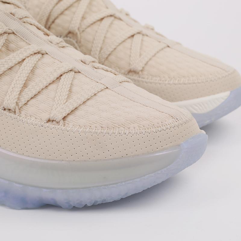 мужские бежевые  кроссовки nike lebron xvii low CD5007-200 - цена, описание, фото 3