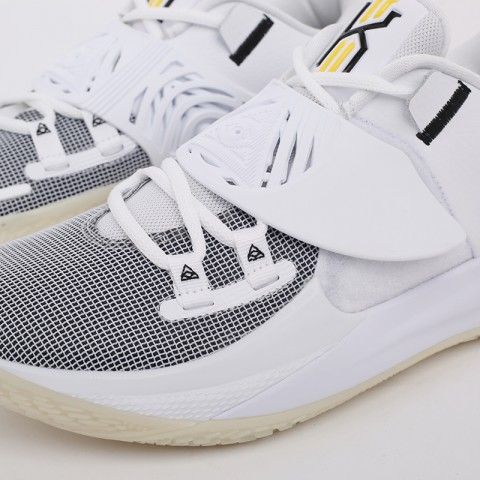 мужские белые  кроссовки nike kyrie low 3 CJ1286-100 - цена, описание, фото 8
