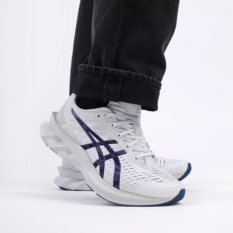 мужские белые  кроссовки asics novablast sps 1201A032-020 - цена, описание, фото 8