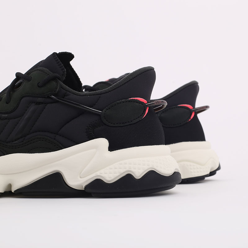 мужские черные  кроссовки adidas ozweego FV9668 - цена, описание, фото 3
