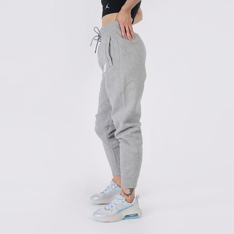 женские серые  брюки jordan flight fleece CV7795-063 - цена, описание, фото 2