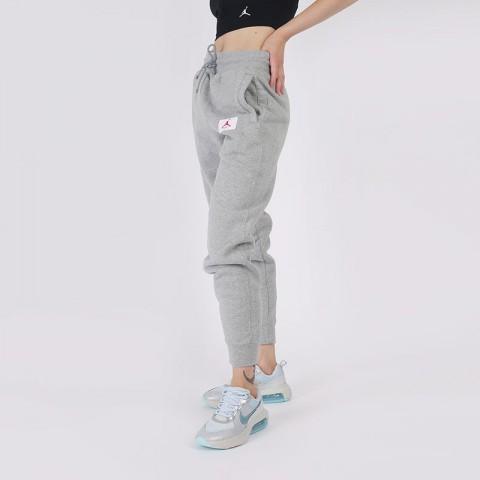 женские серые  брюки jordan flight fleece CV7795-063 - цена, описание, фото 3