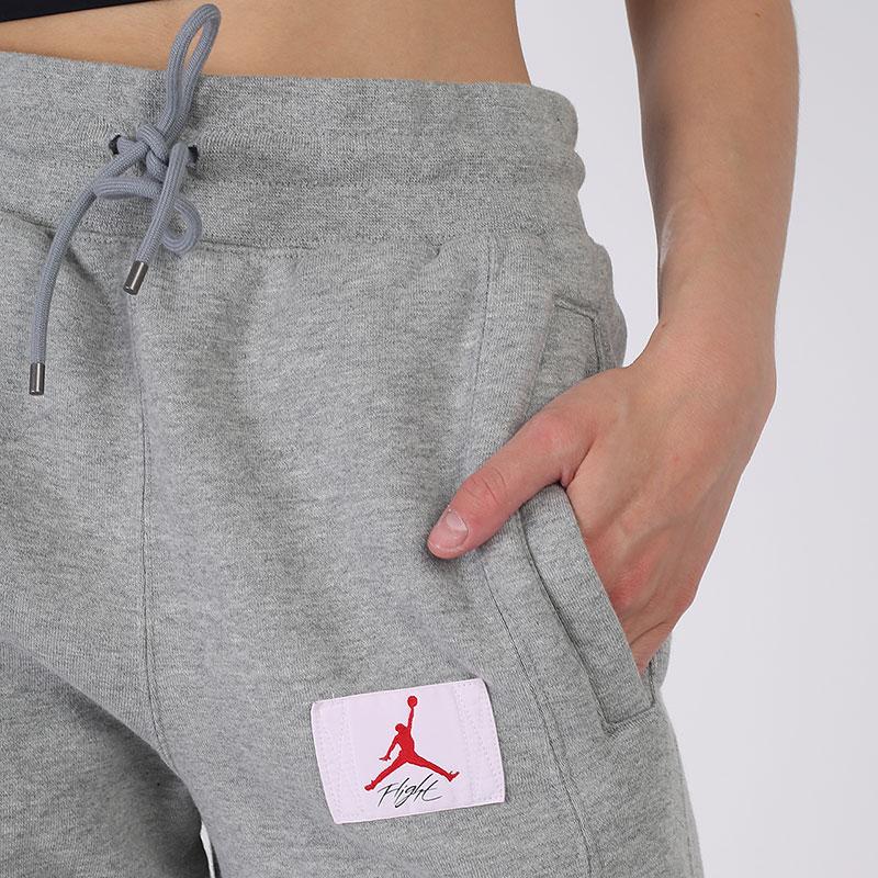 женские серые  брюки jordan flight fleece CV7795-063 - цена, описание, фото 5