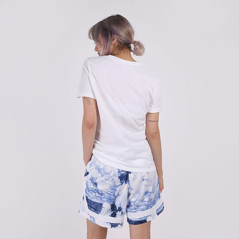 женскую белую  футболка nike fly CW6701-100 - цена, описание, фото 2