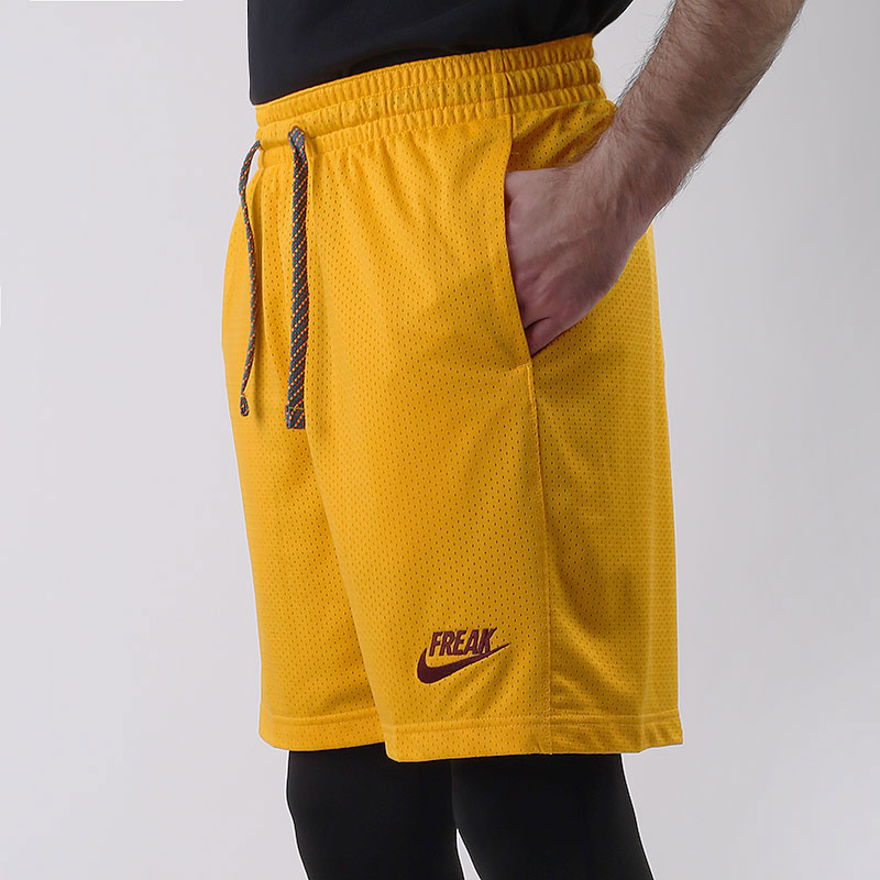 мужские желтые  шорты  nike giannis basketball shorts CK6212-739 - цена, описание, фото 1