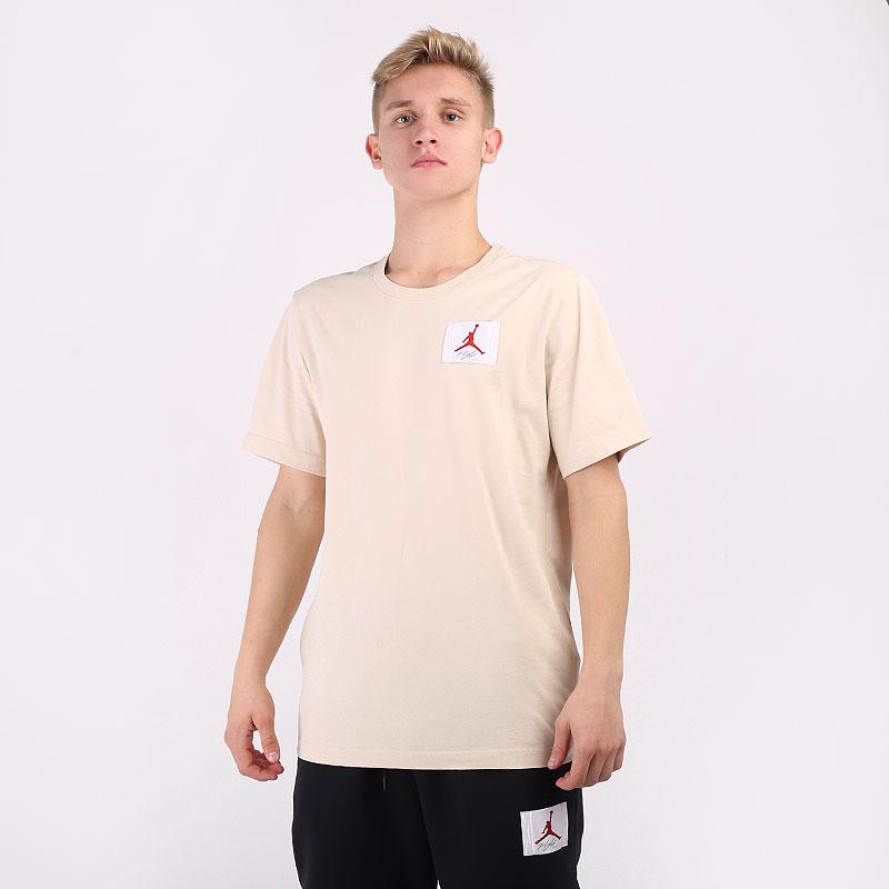 мужскую бежевую  футболка jordan flight essentials t-shirt CZ5059-140 - цена, описание, фото 1
