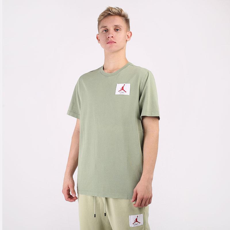 мужскую зеленую  футболка jordan flight essentials t-shirt CZ5059-353 - цена, описание, фото 1