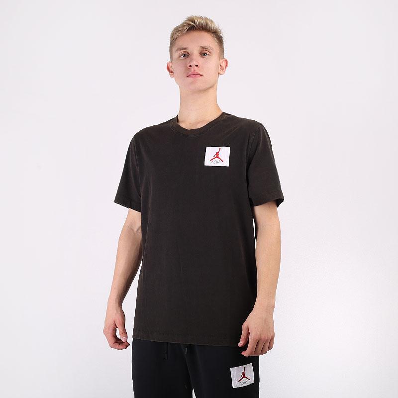 мужскую коричневую  футболка jordan flight essentials t-shirt CZ5059-010 - цена, описание, фото 1