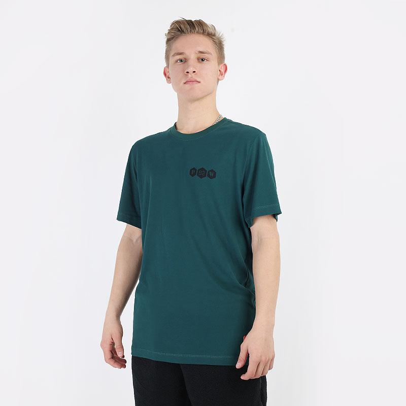мужскую зеленую  футболка nike dri-fit kyrie logo tee CV2060-300 - цена, описание, фото 1