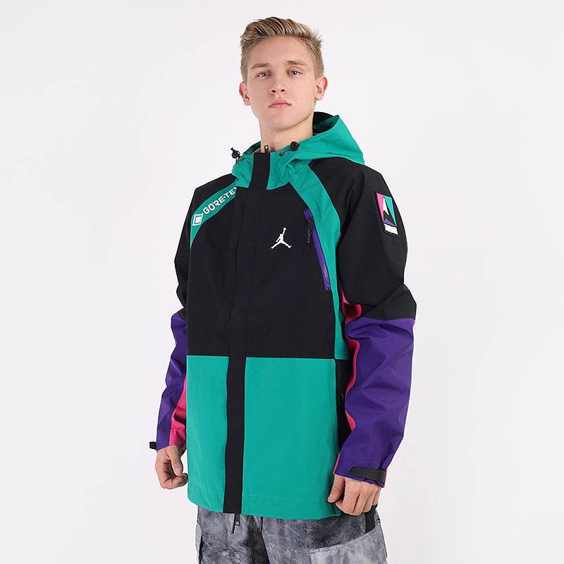 мужскую разноцветную  куртку jordan winter utility gore-tex CT3338-010 - цена, описание, фото 1