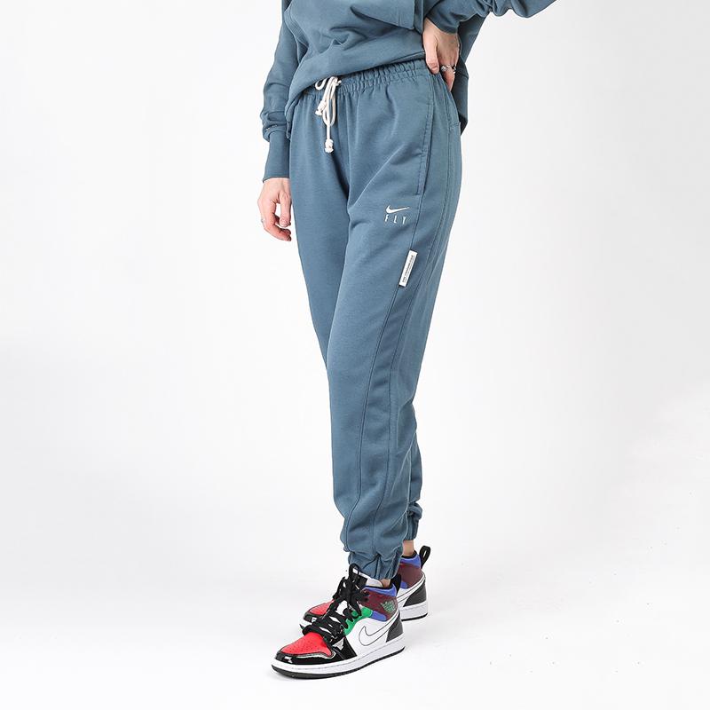 женские синие  брюки nike swoosh fly standart issue CU3482-058 - цена, описание, фото 1