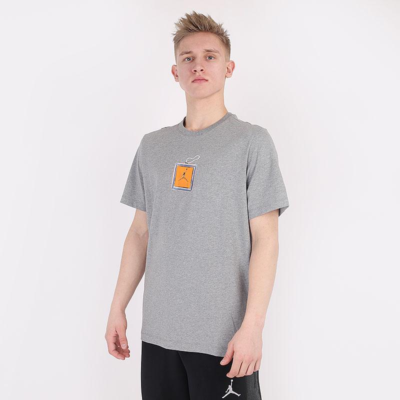 мужскую серую  футболка jordan keychain short-sleeve t-shirt CV5157-091 - цена, описание, фото 1