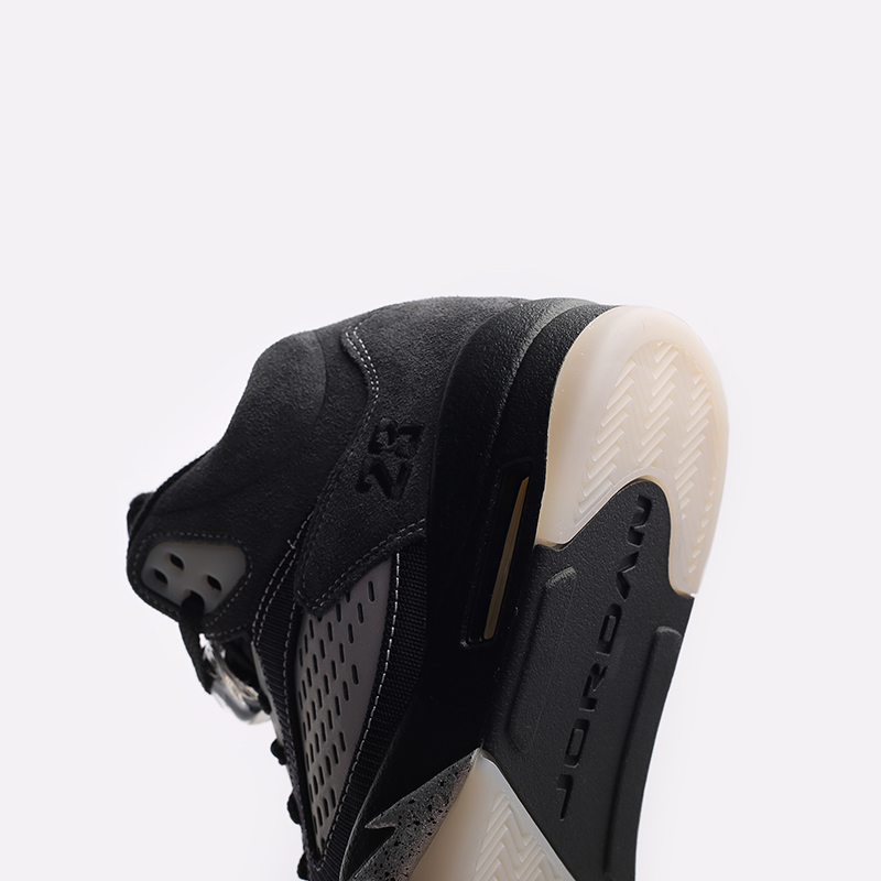 мужские чёрные  кроссовки jordan 5 retro DB0731-001 - цена, описание, фото 6