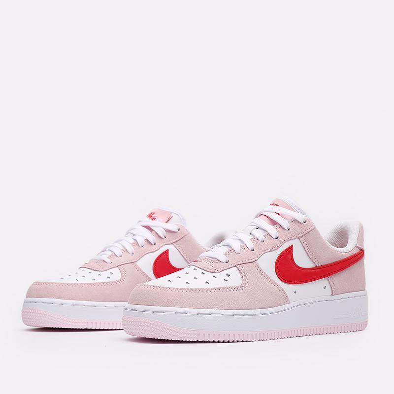 мужские белые, красные, розовые  кроссовки nike air force 1 '07 qs DD3384-600 - цена, описание, фото 2