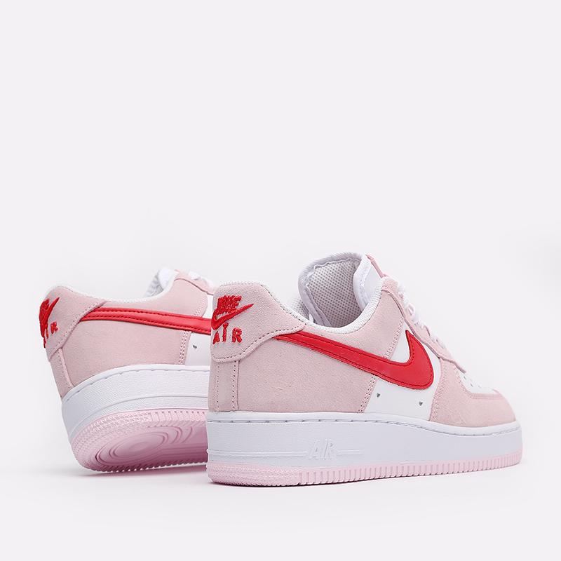 мужские белые, красные, розовые  кроссовки nike air force 1 '07 qs DD3384-600 - цена, описание, фото 4