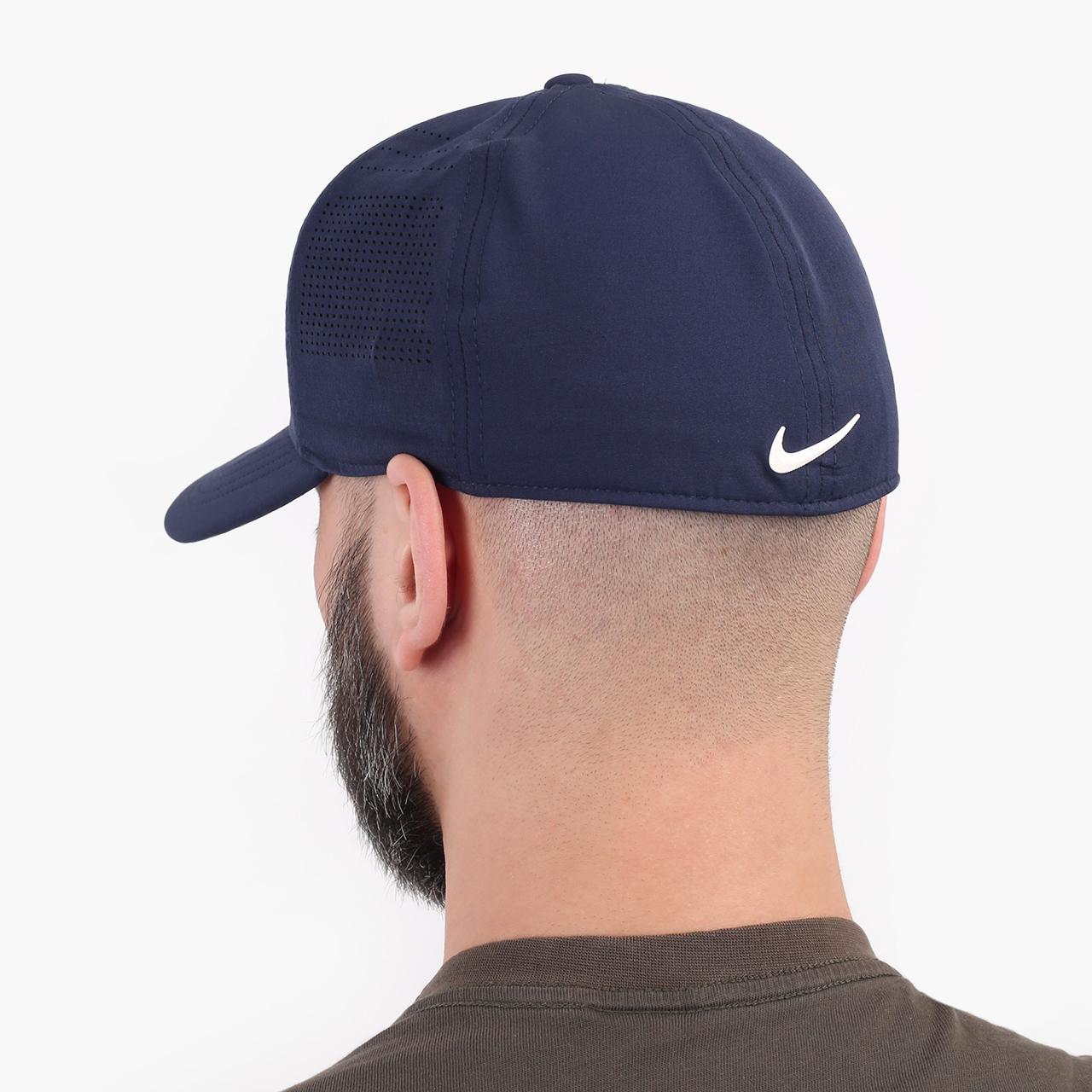 синюю  кепка nike golf aerobill classic99 perforated cap BV1073-451 - цена, описание, фото 2