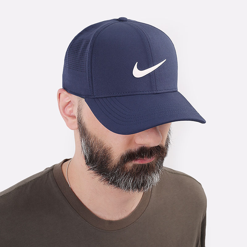 синюю  кепка nike golf aerobill classic99 perforated cap BV1073-451 - цена, описание, фото 1