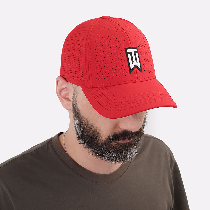 красную  кепка nike aerobill tiger woods heritage86 perforated cap CW6792-687 - цена, описание, фото 1