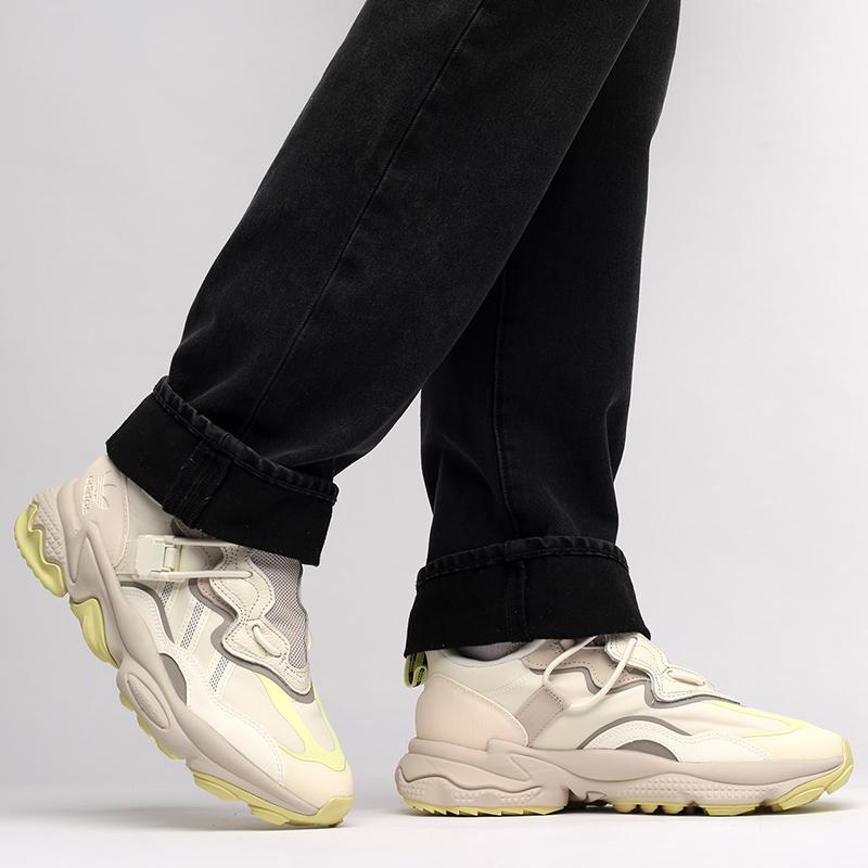 мужские бежевые  кроссовки adidas ozweego flipshield FX6047 - цена, описание, фото 8