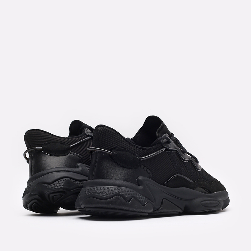 мужские чёрные  кроссовки adidas ozweego FX6028 - цена, описание, фото 3