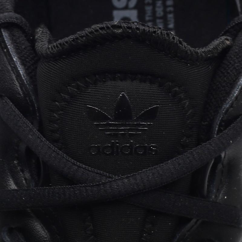 мужские чёрные  кроссовки adidas ozweego FX6028 - цена, описание, фото 5