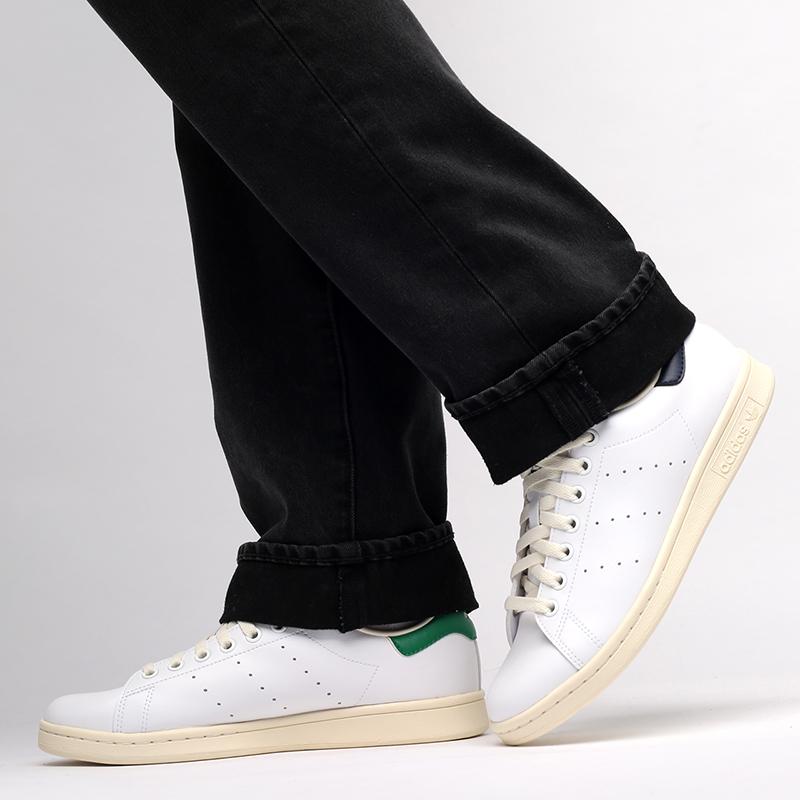 белые  кроссовки adidas stan smith FY1794 - цена, описание, фото 7