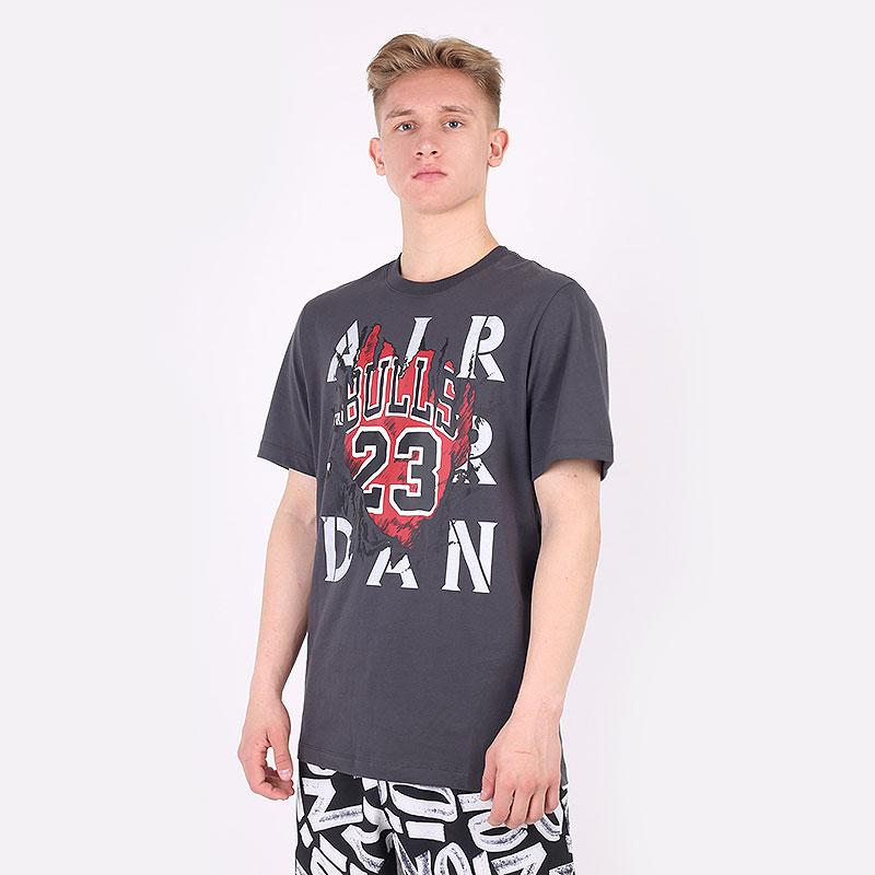 мужскую серую  футболка jordan aj5 85 gfx short sleeve crew tee DD5259-060 - цена, описание, фото 1