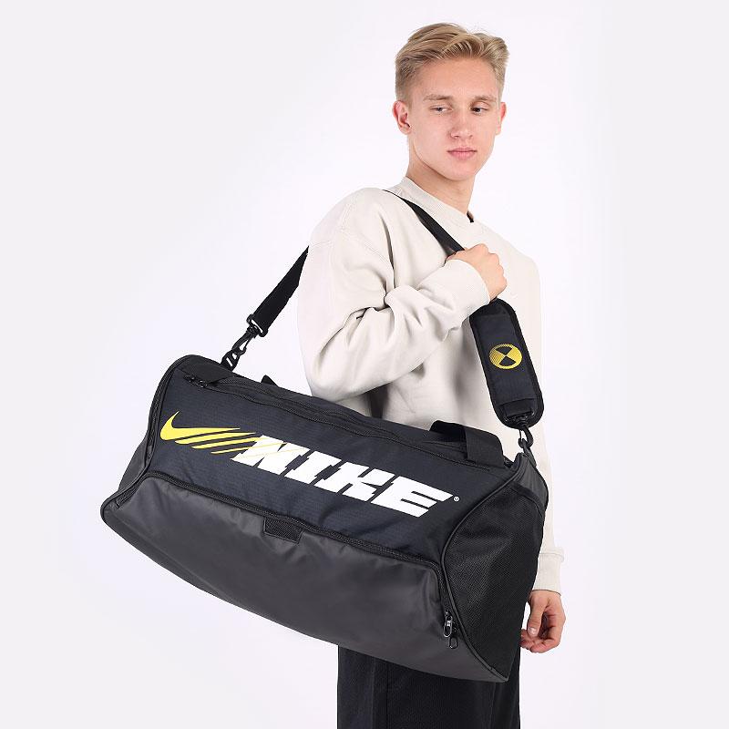 черную  сумка nike brasilia graphic training duffel bag 60l CU9477-011 - цена, описание, фото 1