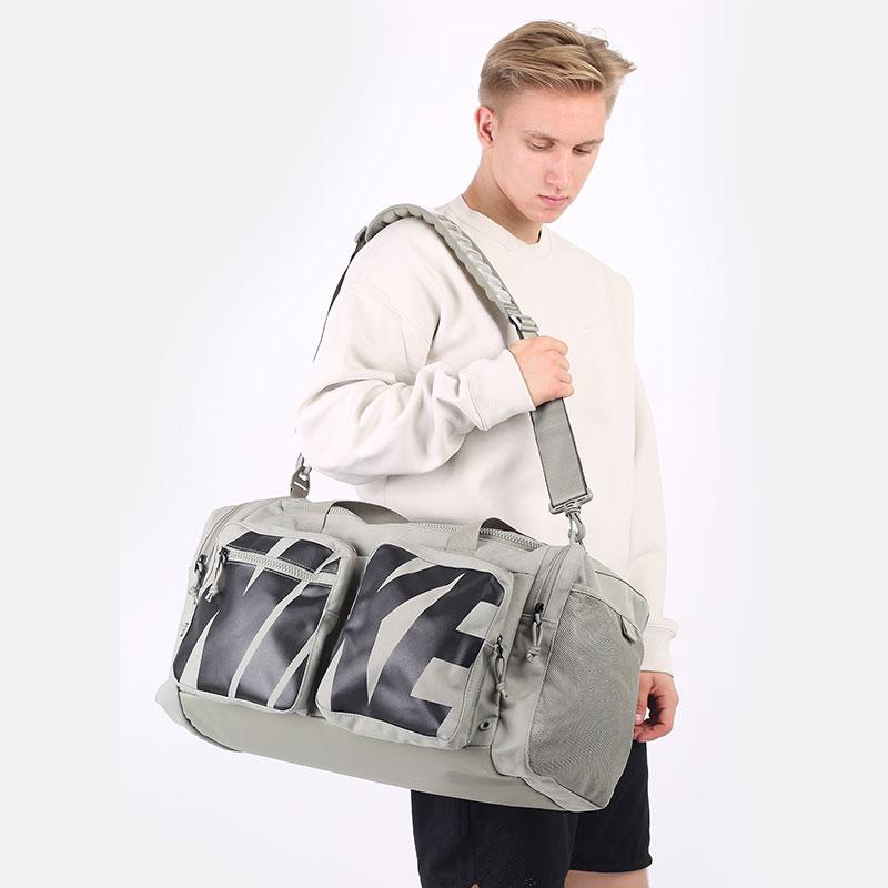 зеленую  сумка nike utility power graphic training duffel bag 51l CZ1364-320 - цена, описание, фото 1