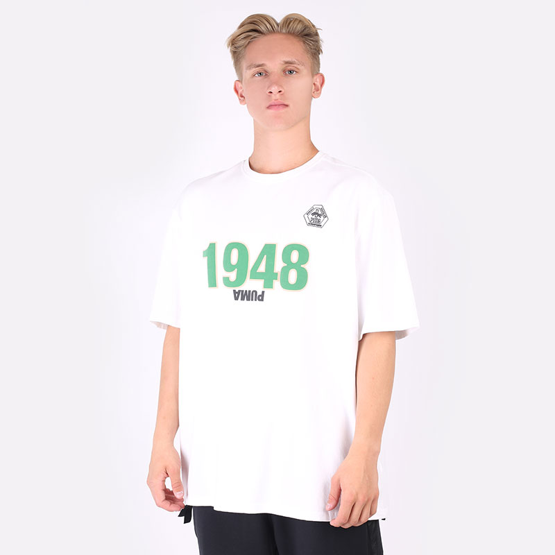 мужскую белую  футболка puma rhuigi x kuz tee 58906601 - цена, описание, фото 1
