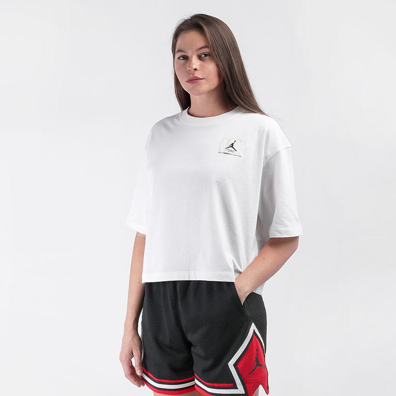 женскую белую  футболка jordan essentials boxy t-shirt DD7054-100 - цена, описание, фото 1