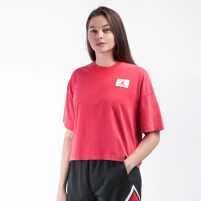 женскую красную  футболка jordan essentials boxy t-shirt CZ4139-657 - цена, описание, фото 1
