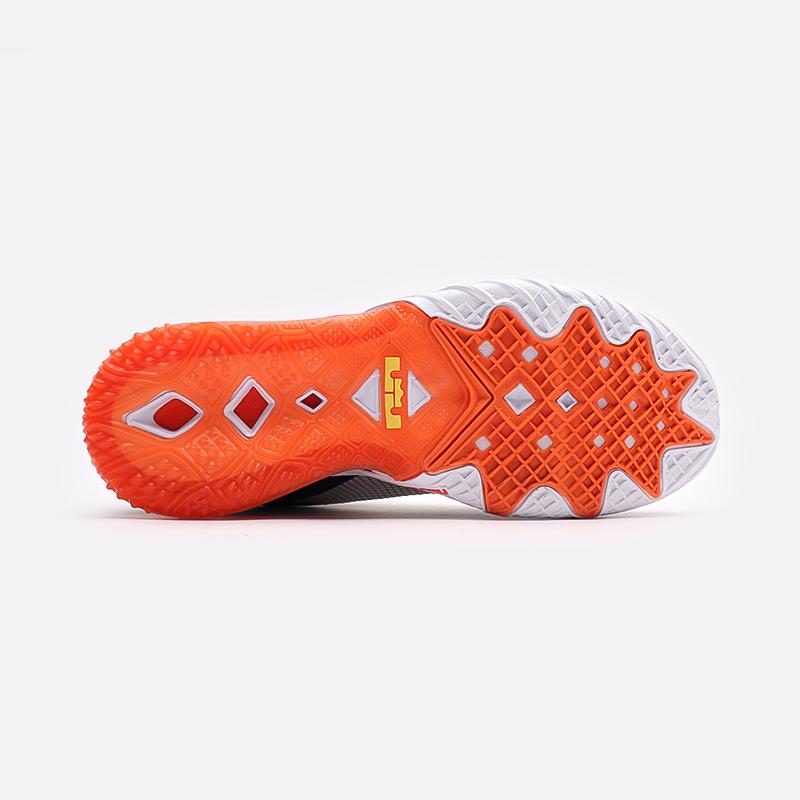 мужские белые кроссовки Nike Lebron XVIII Low CV7562-103 - цена, описание, фото 5